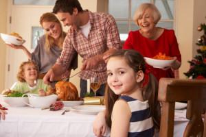 Préparer les fêtes de fin d'année en famille : un défi pour le couple ?